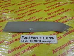 Накладка двери багажника Ford Focus Ford Focus 02.1999, правая