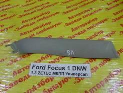 Накладка двери багажника Ford Focus Ford Focus 02.1999, левая