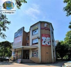 Отдельно стоящее здание на Комсомольской 36 город Уссурийск. Улица Комсомольская 36, р-н Центр, 1 325,3кв.м.