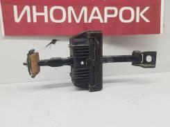 Ограничитель двери передний левый [7033609] для BMW 5 E60/E61