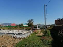 Продается земельный участок. 1 800кв.м., аренда, электричество, вода