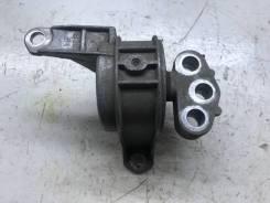 Кронштейн двигателя Opel Zafira-b