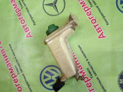 Бачок гидроусилителя руля. Volkswagen Passat, 3B2, 3B3, 3B6, 3B5 Audi A4, 8D2, 8D5, B5 Audi A6, 4B2, 4B4, 4B5, 4B6, C5 1Z, ACK, ADP, ADR, AEB, AFB, AF...