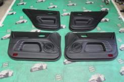 Обшивки двери комплект Toyota Altezza SXE10 GXE10 67610-53010-C0