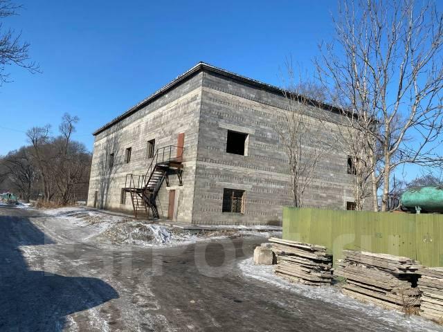 Продаётся 2-х этажное здание в центре города. Улица Парковая, р-н Городской парк, 1 022,8кв.м.