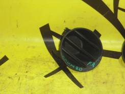 Заглушка в бампер передняя правая TOYOTA RAUM NCZ20