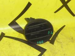 Заглушка в бампер передняя левая TOYOTA Ist NCP60