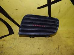 Заглушка в бампер передняя левая TOYOTA NADIA SXN10