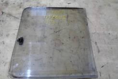 Стекло боковое среднее правое Nissan Vanette