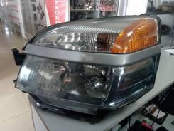 Фара Toyota VOXY AZR60