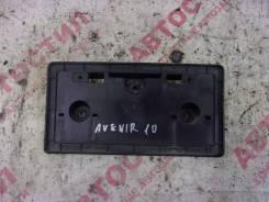 Рамка крепления номера Nissan Avenir