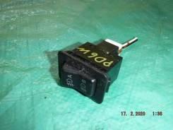 Кнопка включения противотуманных фар Mitsubishi Delica PD6W