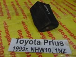 Подставка под ногу Toyota Prius Toyota Prius 1999.12