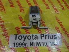 Подставка под ногу Toyota Prius Toyota Prius 1999.12, левая передняя