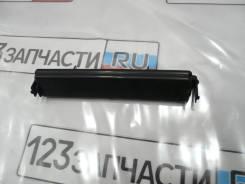 Крышка салонного фильтра Toyota Avensis AZT251