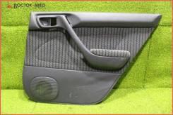 Обшивка двери RR Toyota Corona SF ST190 4SFE (676302G280C0), правая задняя