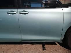 Дверь передняя правая Toyota Noah 2015 год