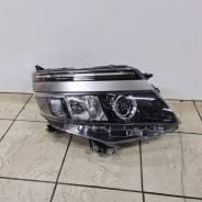 Фара правая Япония на Toyota VOXY ZWR80