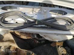 Уплотнитель крышки багажного отсека. Mazda Capella, GF8P