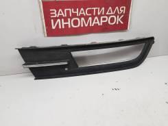 Накладка противотуманной фары правая [3G0853666A] для Volkswagen Passat B8