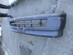 Бампер передний Toyota Hiace LH172 5L