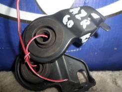 Крепление радиатора кондиционера TOYOTA NOAH AZR60 б/у 88688-2J810