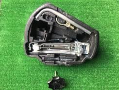 Вставка в запасное колесо , набор инструментов Golf 4 [1J0 012 115 AA]