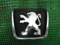 Эмблема решетки радиатора Peugeot 307