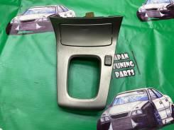 Пластик вокруг акпп Subaru Forester SG5