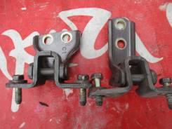 Петли дверные, правые задние Mitsubishi Pajero iO Pinin MR292180