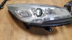 Фара правая Ford KUGA 2013 с дефектом