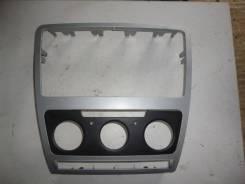 Накладка декоративная Octavia (A5 1Z-) 2004-2013
