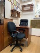Сдам в аренду рабочее место в оборудованном офисном кабинете. 5,0кв.м., переулок Днепровский 5/1, р-н Столетие. Интерьер