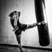 Индивидуальные тренировки по боксу и кикбоксингу для парней и девушек.