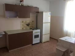 1-комнатная, улица Запарина 156. Кировский, частное лицо, 42,0кв.м.