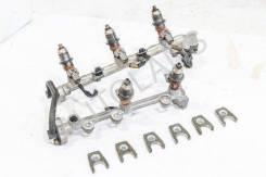 Рампа топливная левая в сборе с форсунками, АКПП 4WD 3.0 6G72 N96W RHD 6G72 N96W 3.0 Mitsubishi Chariot Grandis