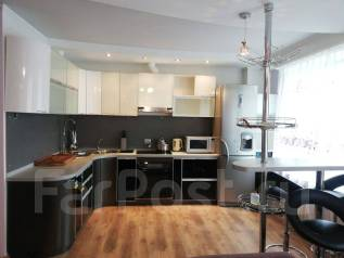 2-комнатная, улица Ватутина 4а. 64, 71 микрорайоны, агентство, 60,0кв.м. Кухня