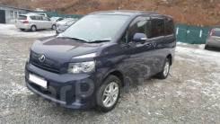 Toyota Voxy. Без водителя