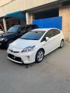 Toyota Prius. автомат, передний, 1.8, гибрид, 83 000тыс. км