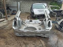 Половина кузова Toyota Prius