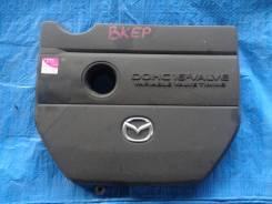 Пластиковая крышка на двс Mazda Axela