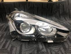 Фара правая Toyota Sienta 170 LED Оригинал Япония 52-282
