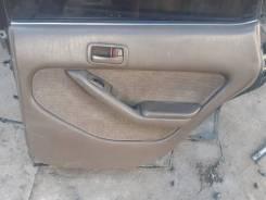 Обшивка двери задняя правая Toyota Vista 1994г, CV30, 2CT