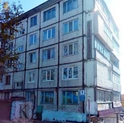 3-комнатная, улица Космонавтов 1. Тихая, проверенное агентство, 61,4кв.м. Дом снаружи