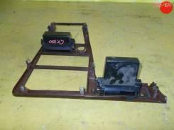 Консоль магнитофона Toyota MARK II