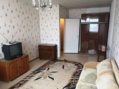 1-комнатная, улица Новожилова 3а. Борисенко, частное лицо, 36,0кв.м.