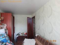 2-комнатная, улица Тополёвая 46. Чуркин, проверенное агентство, 42,5кв.м.