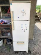 Отдам бесплатно японский холодильник Hitachi + 2 плиты