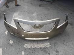 Передний оригинальный бампер на Toyota Camry 40 дорестайл