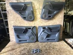 Обшивки дверей Toyota RAV4 ACA21W 67610-42530-B1